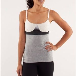 Lulu lemon contentment triangle tank